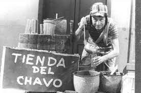 CHAVO VENDIENDO AGUAS FRESCAS